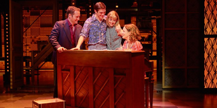 beautiful-the-carole-king-musical-performance2