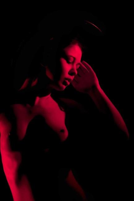 Red Light, Low Key Foto 2