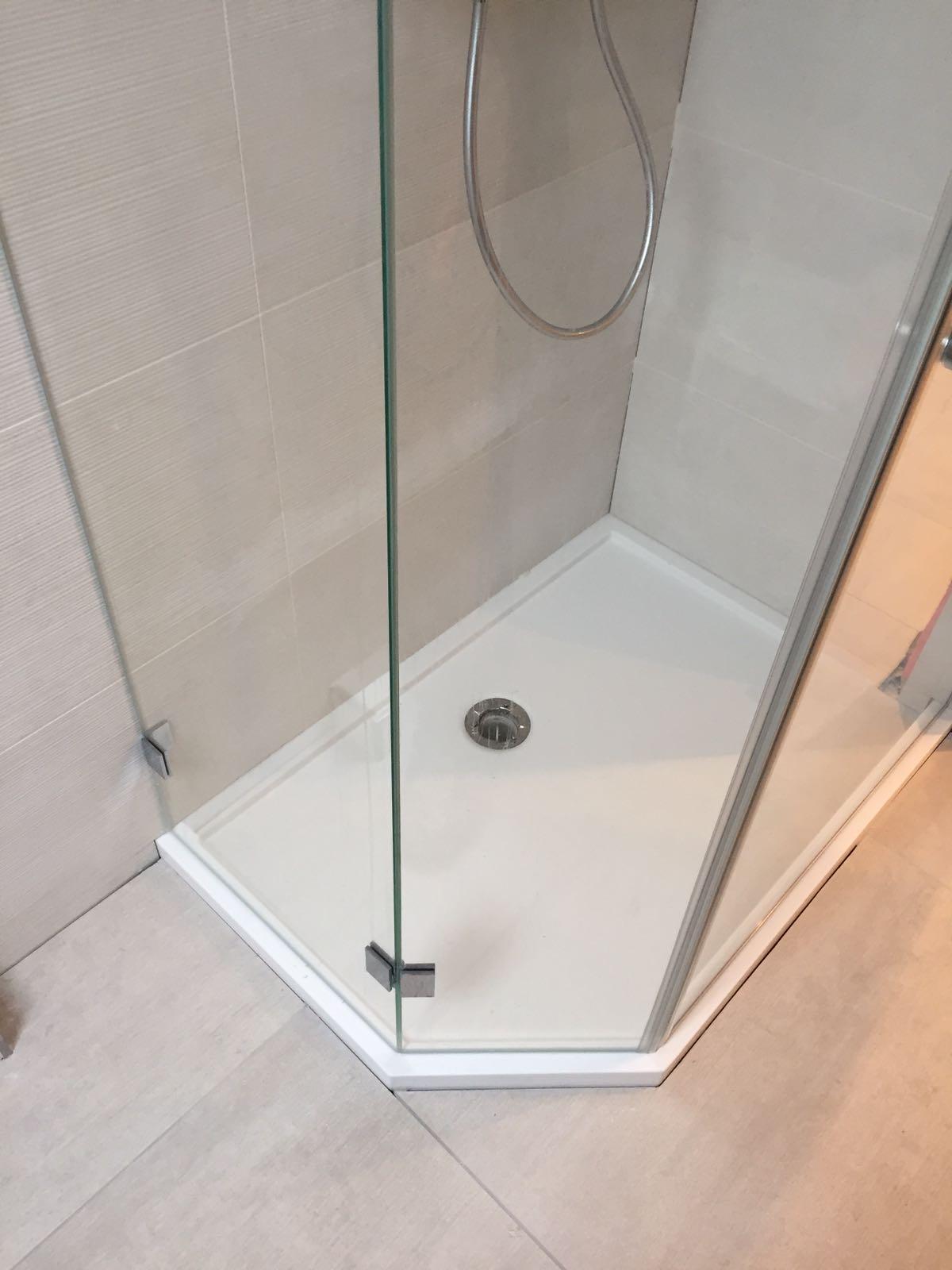 duschen aus glas glas rebellen duschen aus glas nach ma. Black Bedroom Furniture Sets. Home Design Ideas