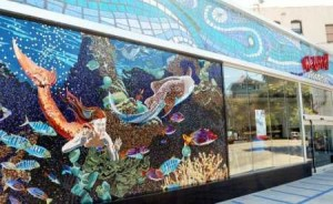 New United Oil Gas Station in Echo Park with mermaid 8-19-2013 10-53-36 PM