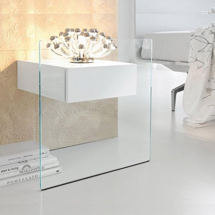 mo do glass side tabbe by tonelli