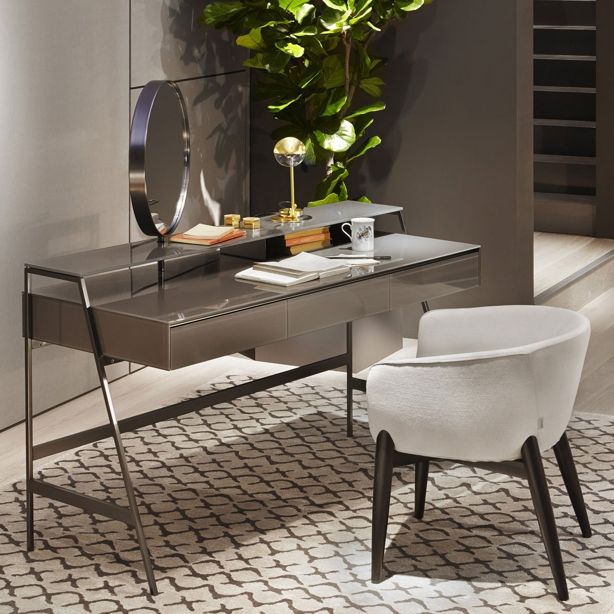 Venere Glass Desk with Mirror Gallotti & Radice