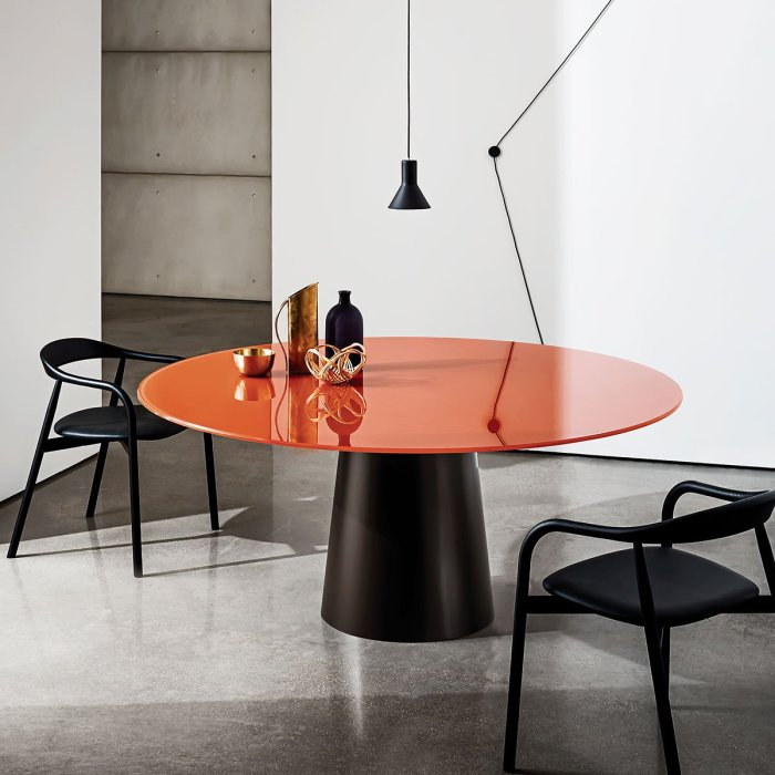 round glass dining table - totem