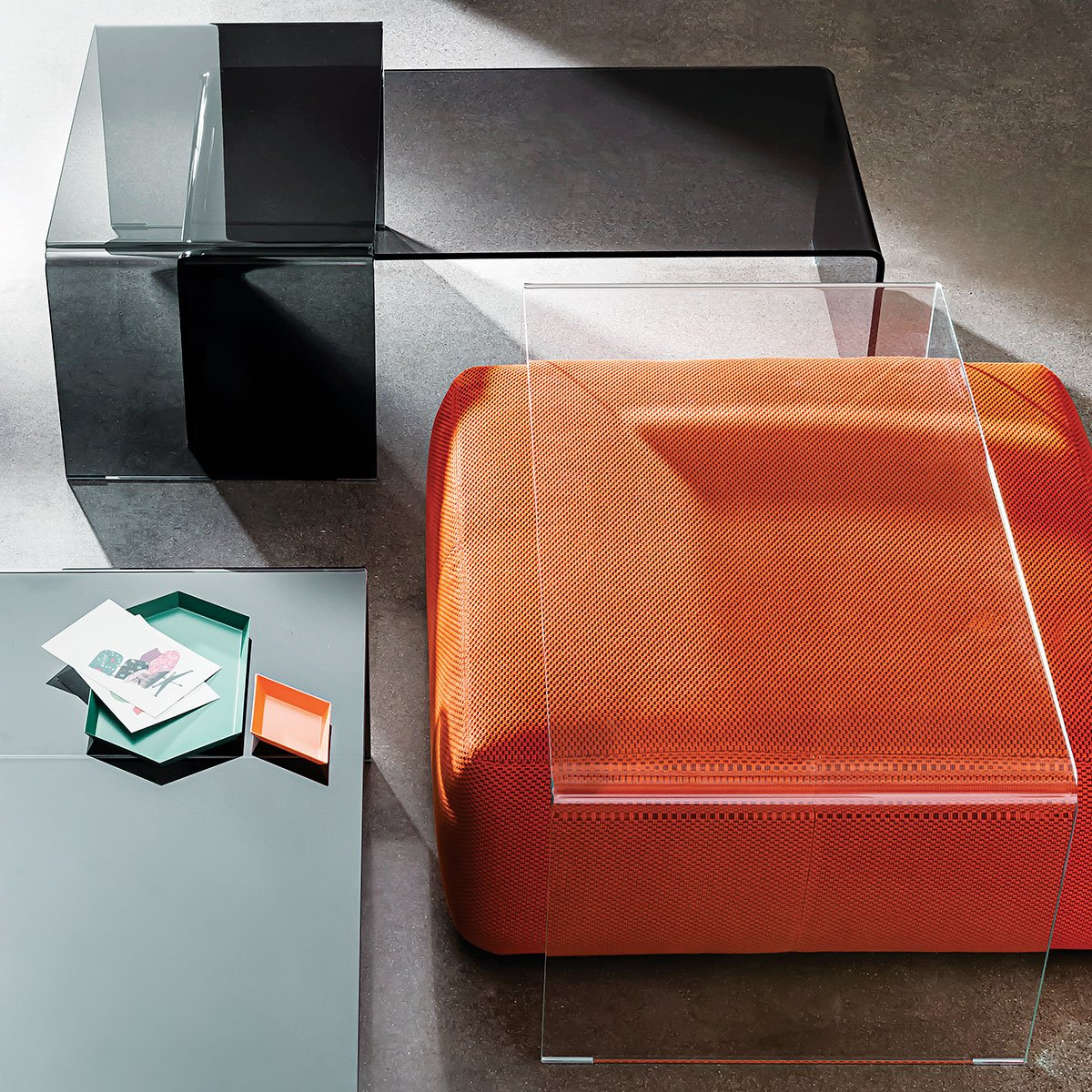 Bridge curved glass Coffee tables