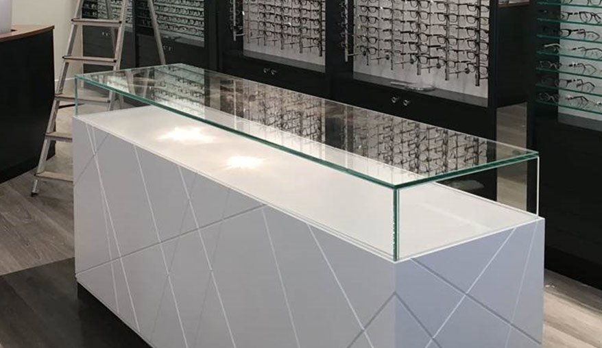 glass uv bonding - display case