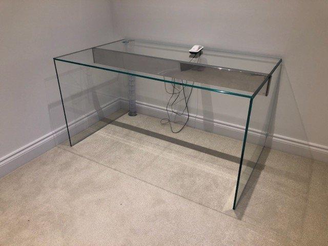 Air Glass Desk Gallotti and Radice