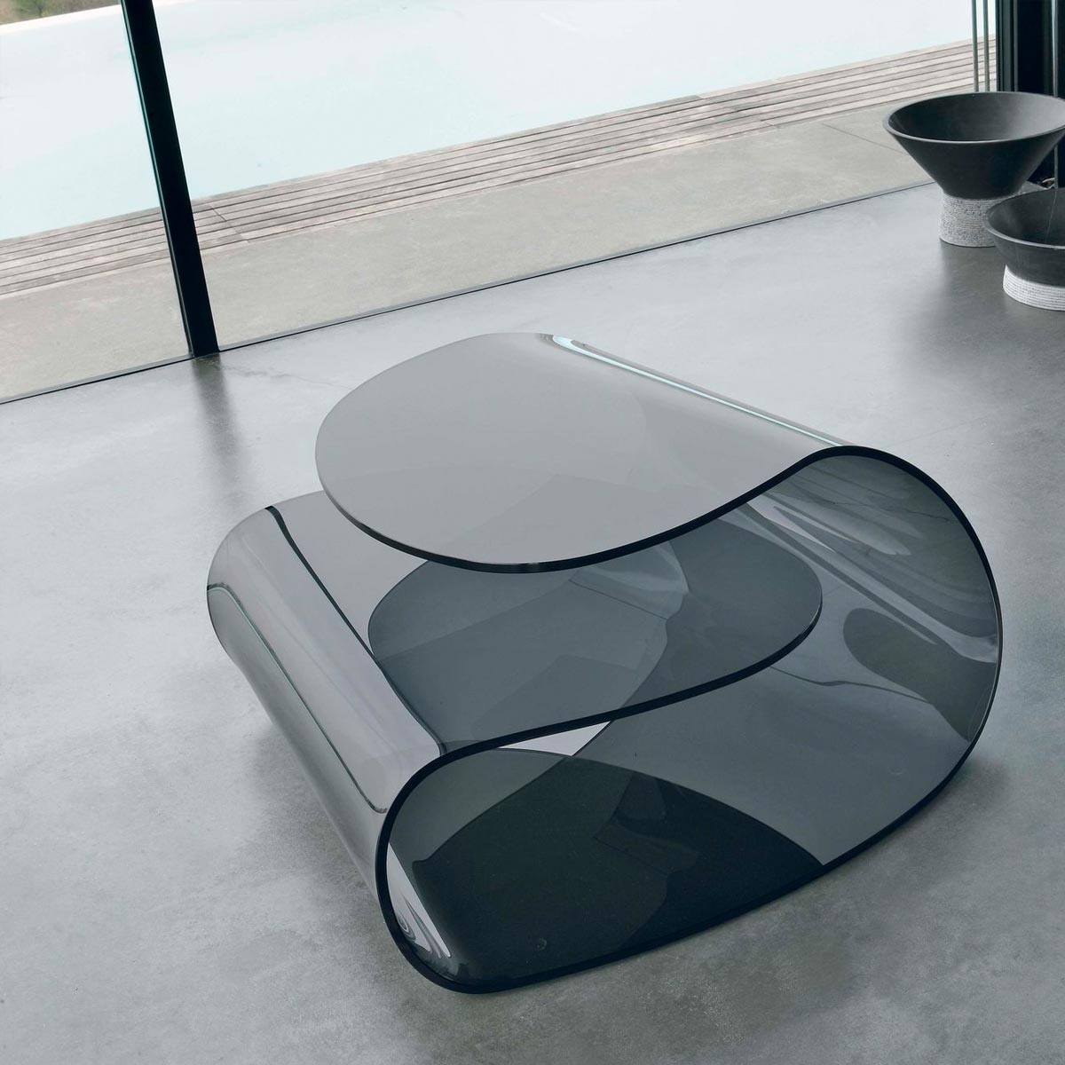 Volup Curved Glass Coffee Table