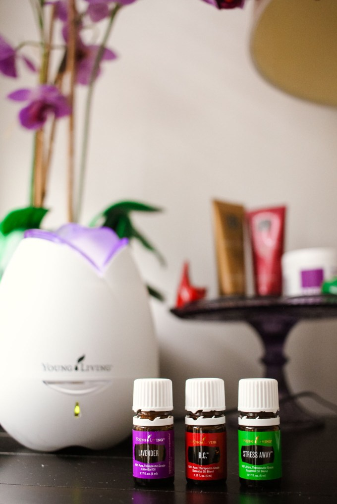 Lifestyle blogger Roxanne of Glass of Glam's Young Living essential oil explanation.