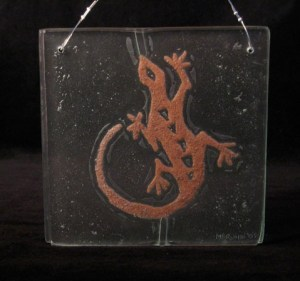 Petroglyph Lizard in Recycled Glass with Red Sand