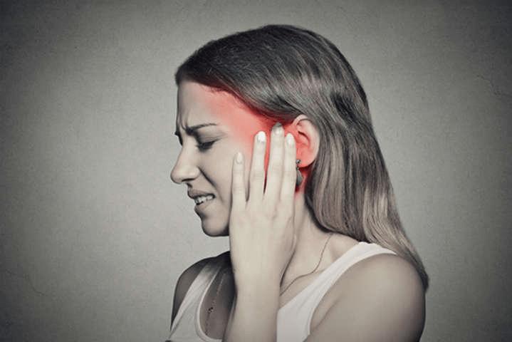 Постоянный звон в ушах? Ученые связали данный симптом с ...