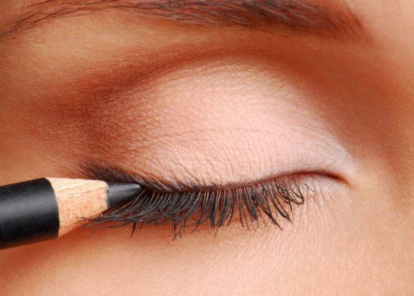 Как красиво сделать стрелки на глазах карандашом, выбор ...