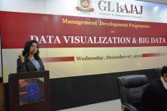 management-devemdp-on-data-visualization-big-data-24