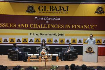 panel-discussion-on-issues-scope-challenges-in-finance-14