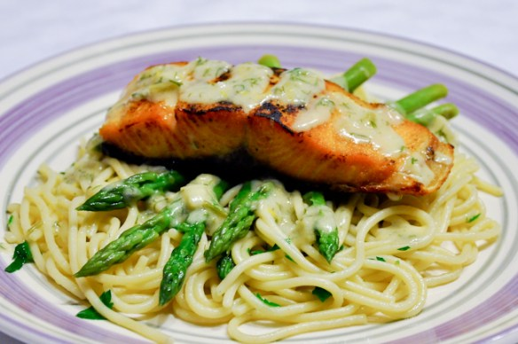 Salmon with Creamy Lemon Dill sauce