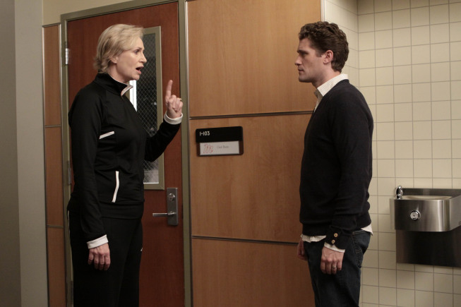 Sue's lovey-dovey phase is short-lived, and by the end of the episode she's back at WIll's throat again