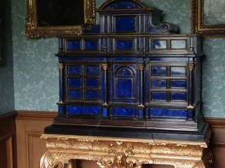 Lapis Lazuli cabinet