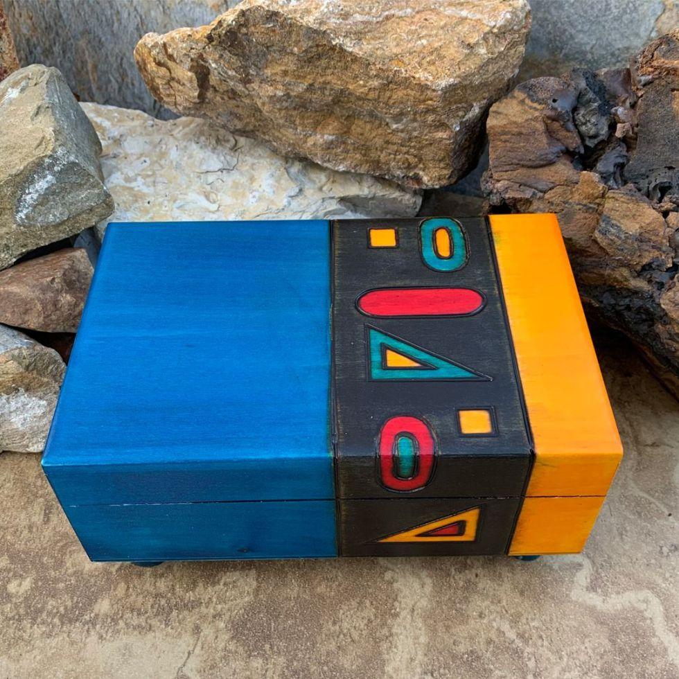 Modern Geometrical Secret Box