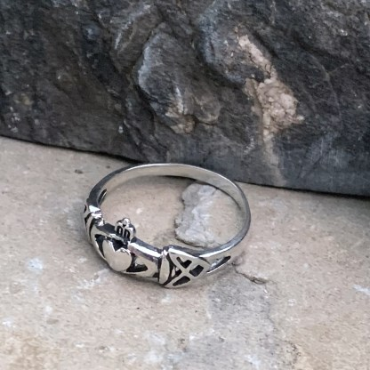 Claddagh Celtic Knot Ring