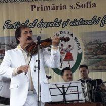 Nicolae BOTGROS dă startul concertului de gală