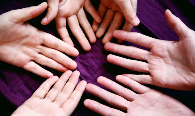 Poll: Handedness