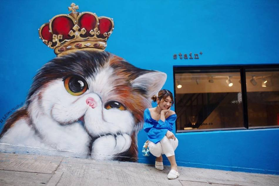 【香港好去處】17個香港壁畫打卡點─香港壁畫村、壁畫街、街頭藝術──香港街頭藝術──中環太平山街Satin+