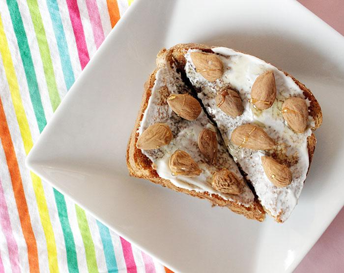 yogurt-toast-and-almonds