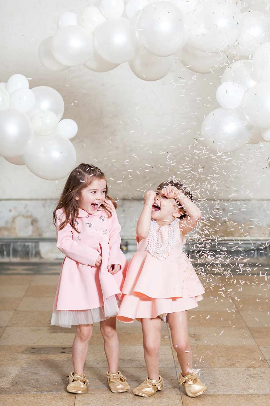 This is a giveaway for Freshly Picked shoes that features Luft Balloons, ModerneChild Shoppe and Glitter and Bubbles at The Bank on Broadway.