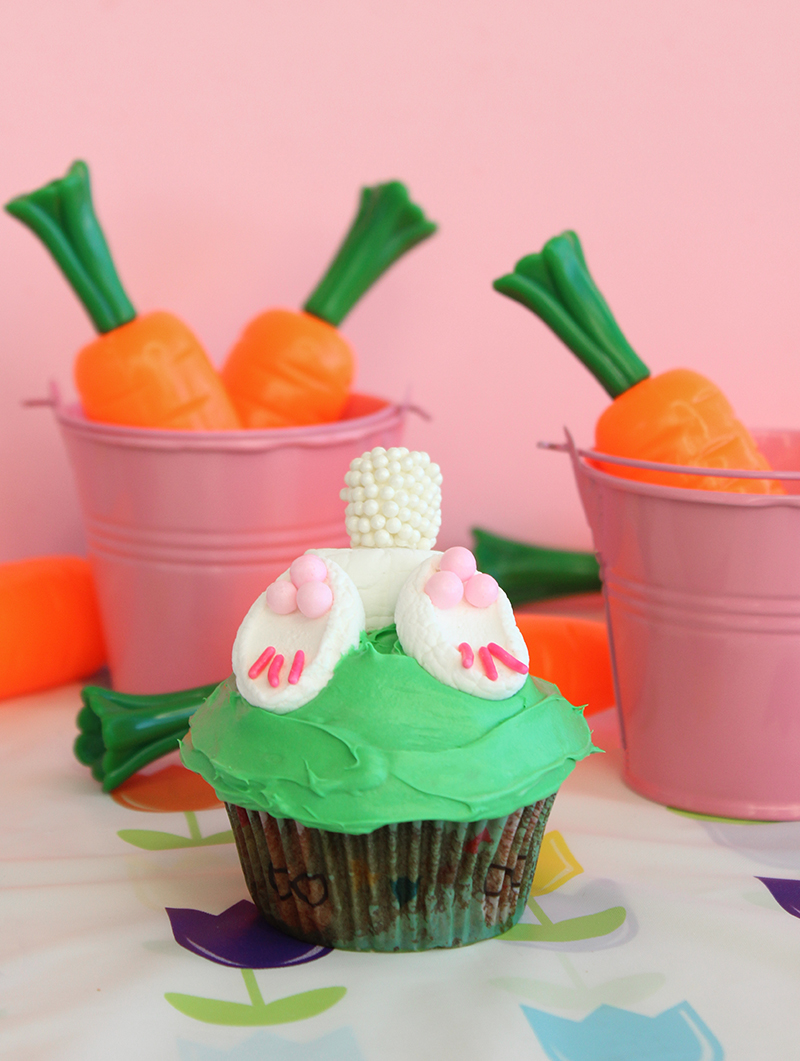 Bunny butt Easter cupcakes.