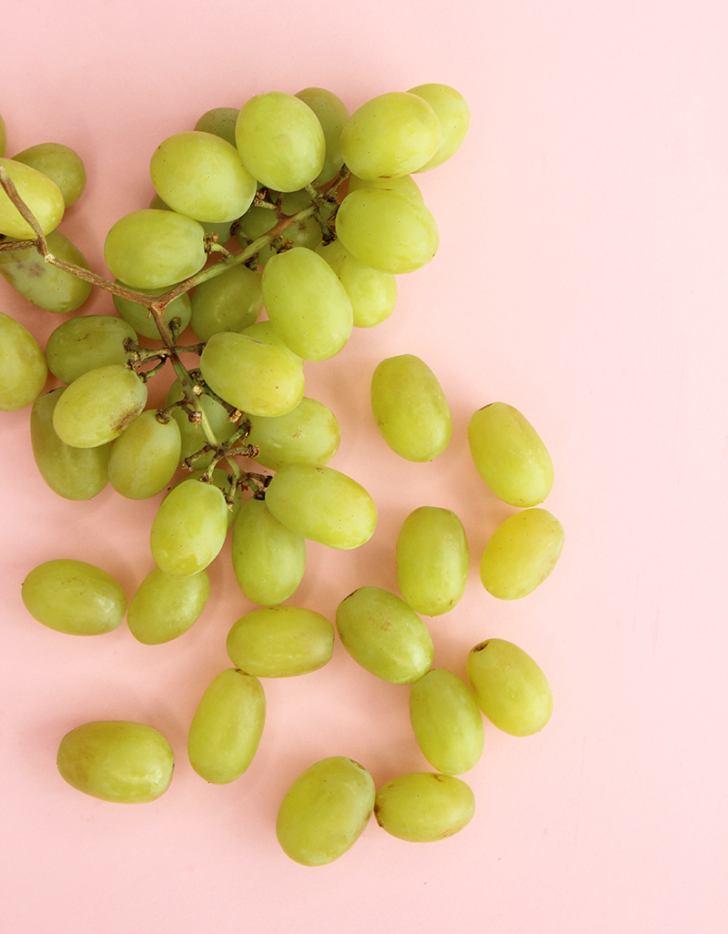 How to make sour patch kids grapes.
