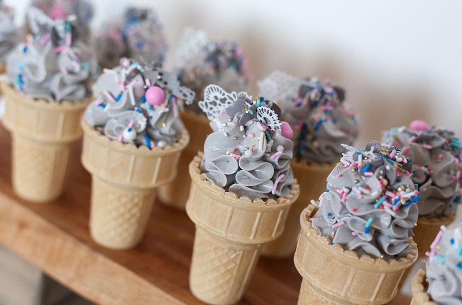 Frosting ice cream cones