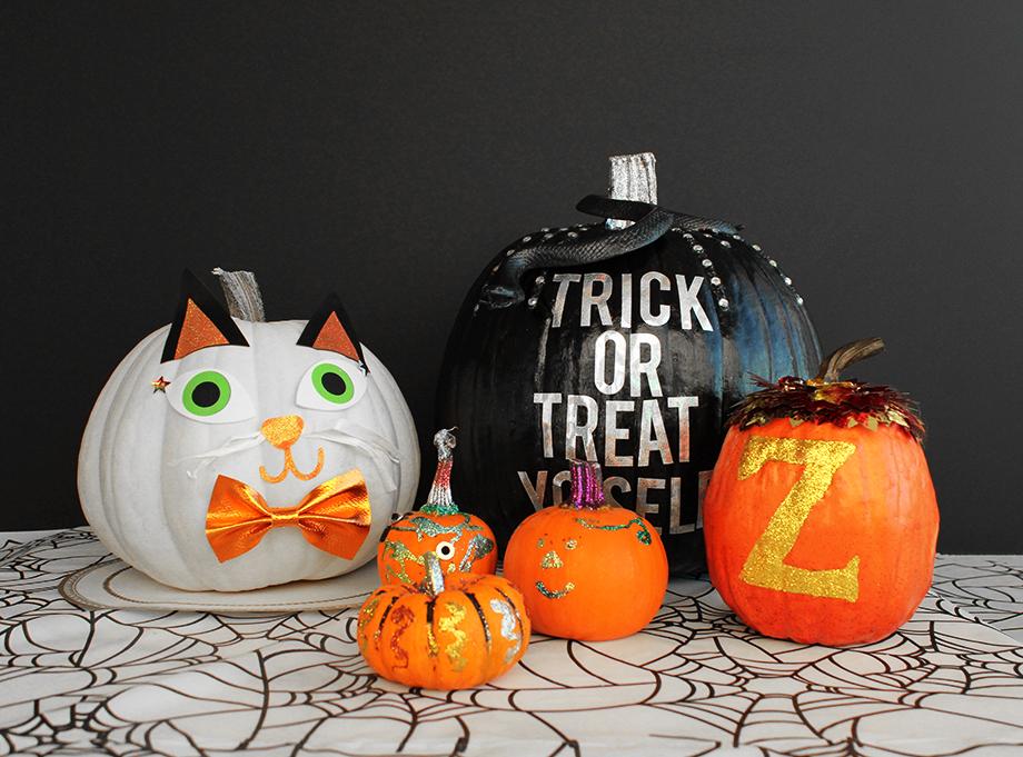 An easy sparkle Halloween Pumpkin DIY.