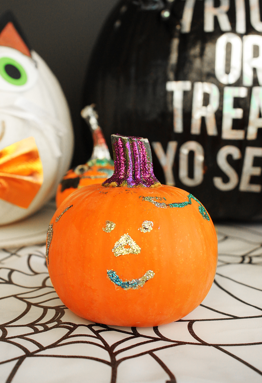 How to create a sparkle pumpkin with a toddler.