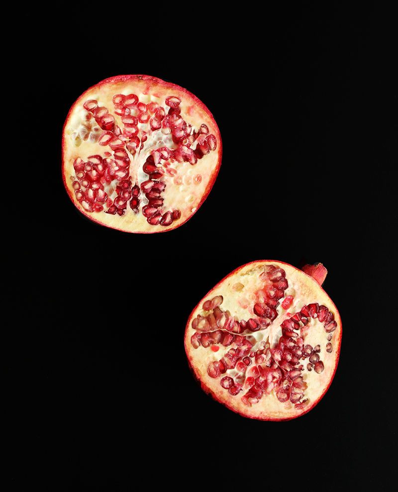 How to remove the seeds from a pomegranate.
