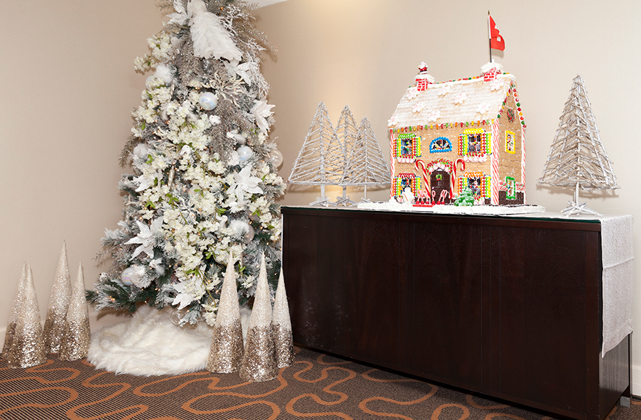 A handmade Gingerbread House in the Swissotel.