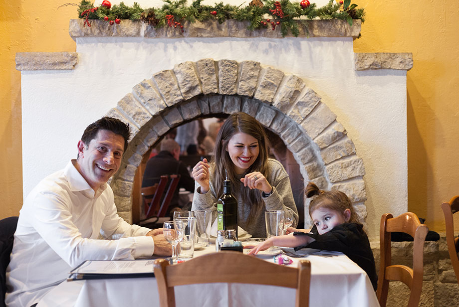 A family friendly dining experience in Chicago at Greek Islands.