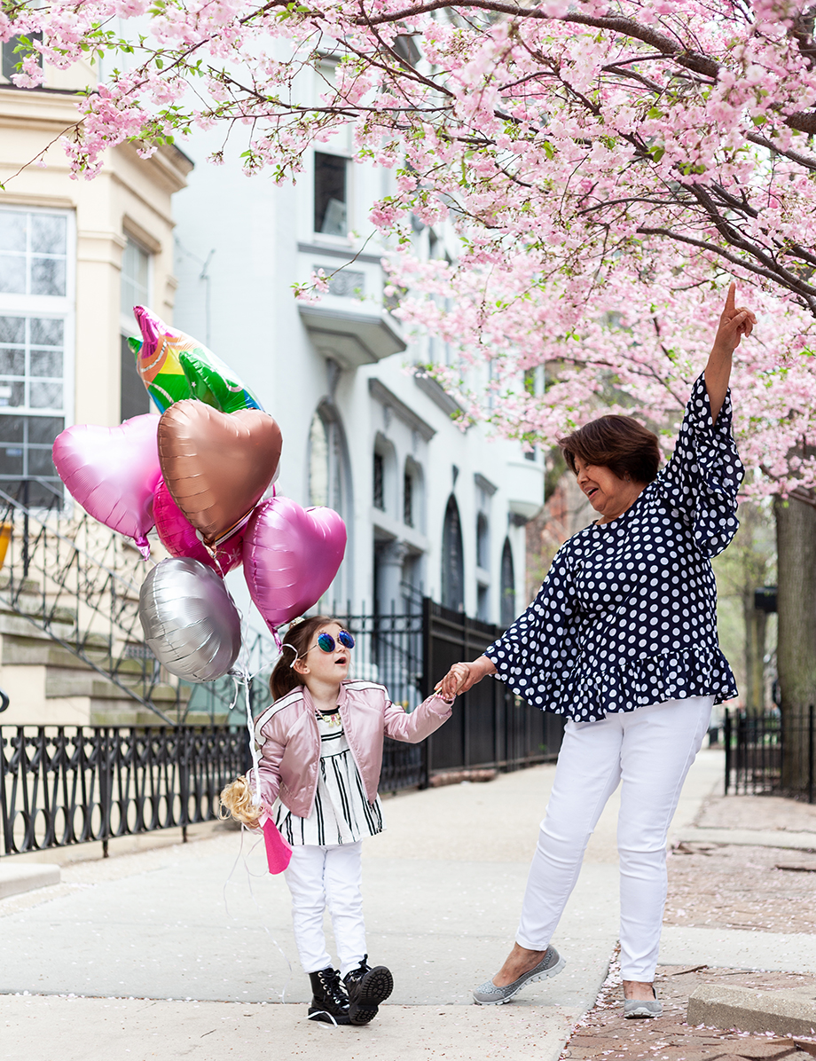 Corri McFadden shares how to find the perfect nanny with her daughter Zelda and her nanny Mia on Glitter and Bubbles.