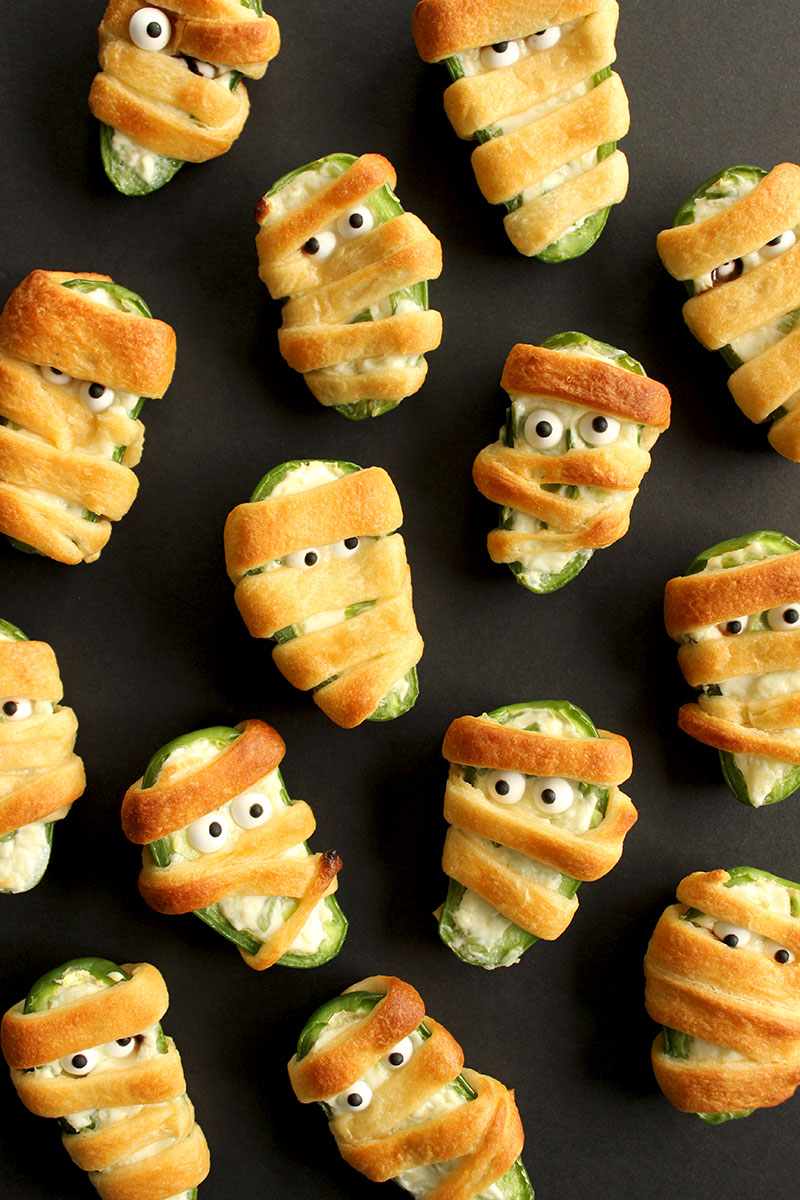 An easy snack recipe with cream cheese, chives and jalapeños.