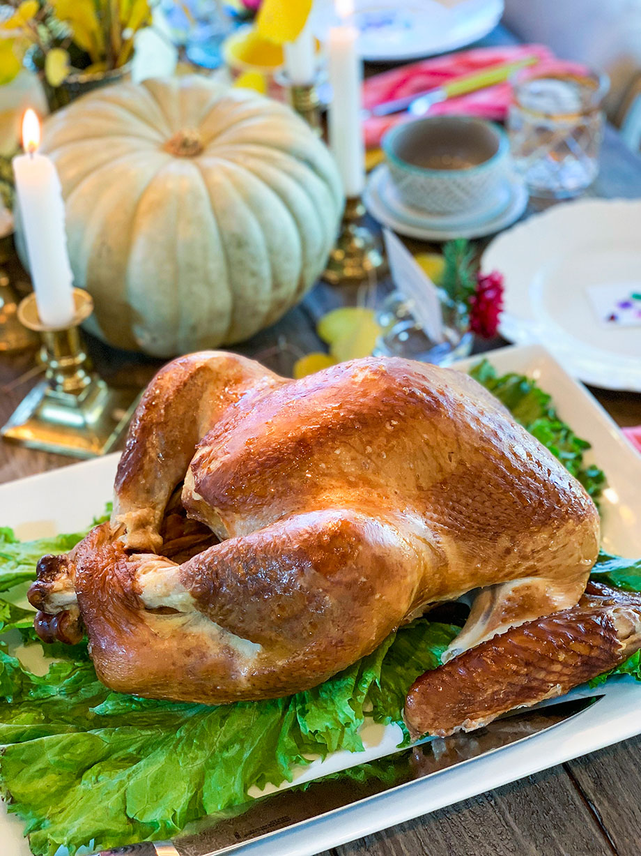 A delicious Thanksgiving turkey from Boston Market.