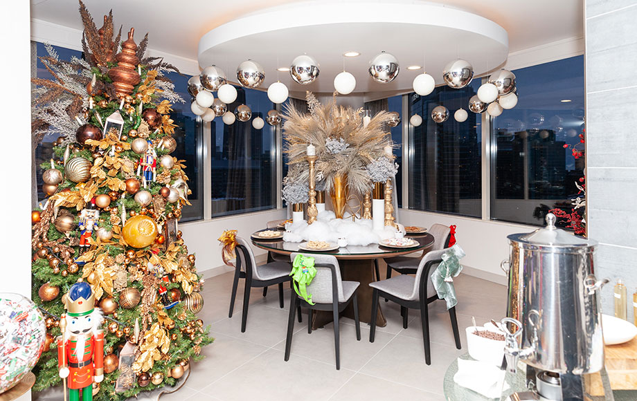 The dining room at the Swissotel Santa Suite.