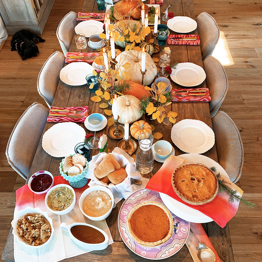 How to celebrate Thanksgiving with Boston Market Thanksgiving Home Delivery.