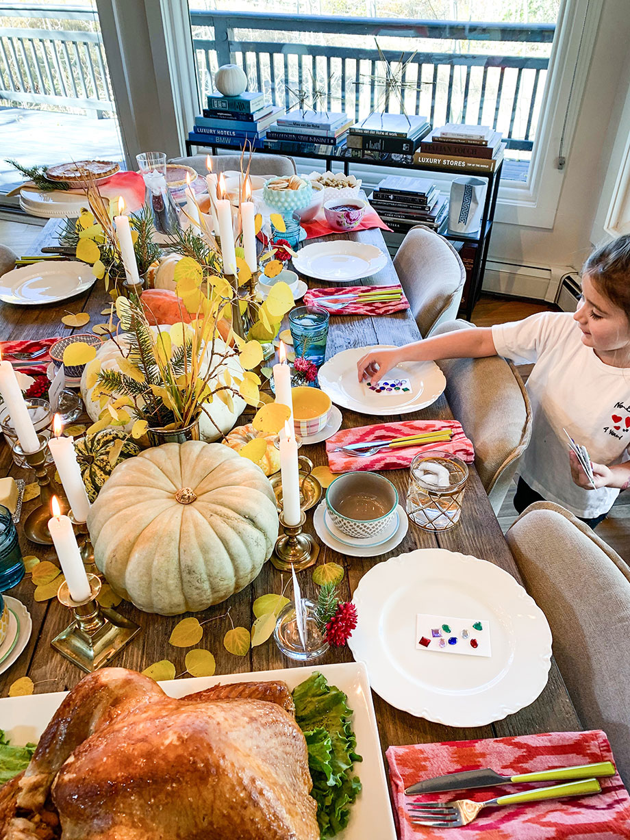 Zelda of Glitter and Bubbles sets the table with Boston Market Thanksgiving Home Delivery.