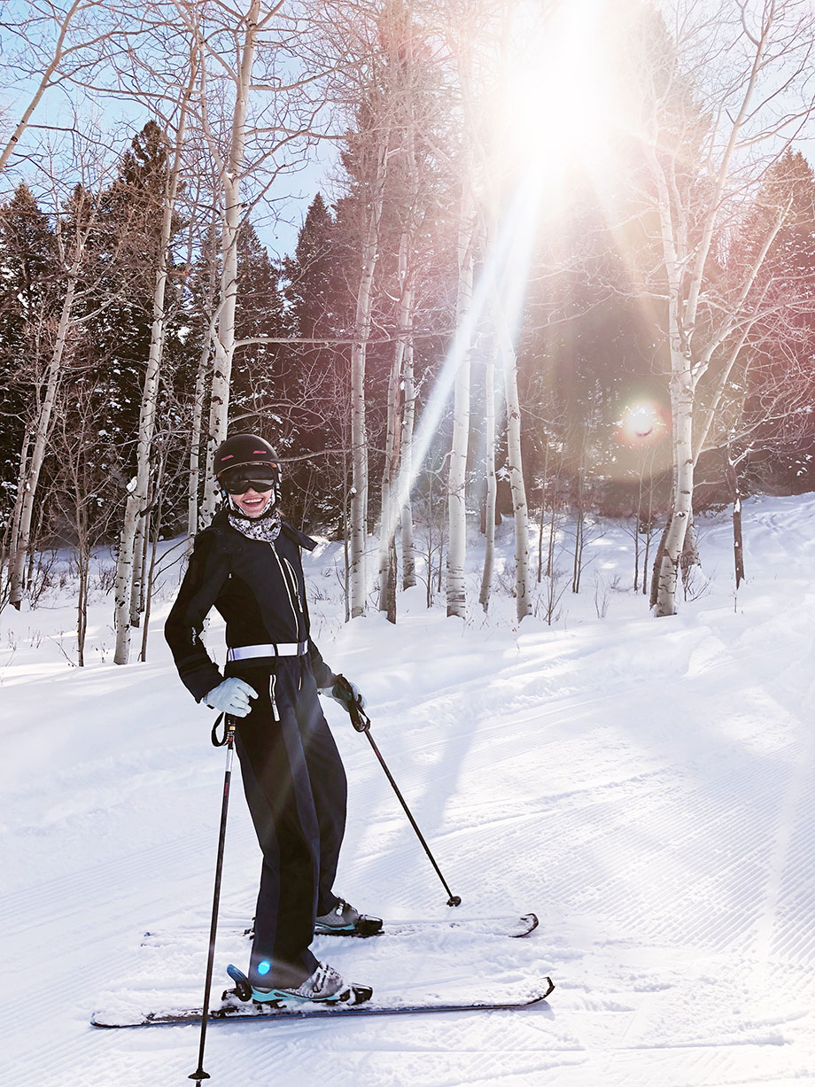 Corri McFadden of Glitter and Bubbles learns how to ski in Aspen.