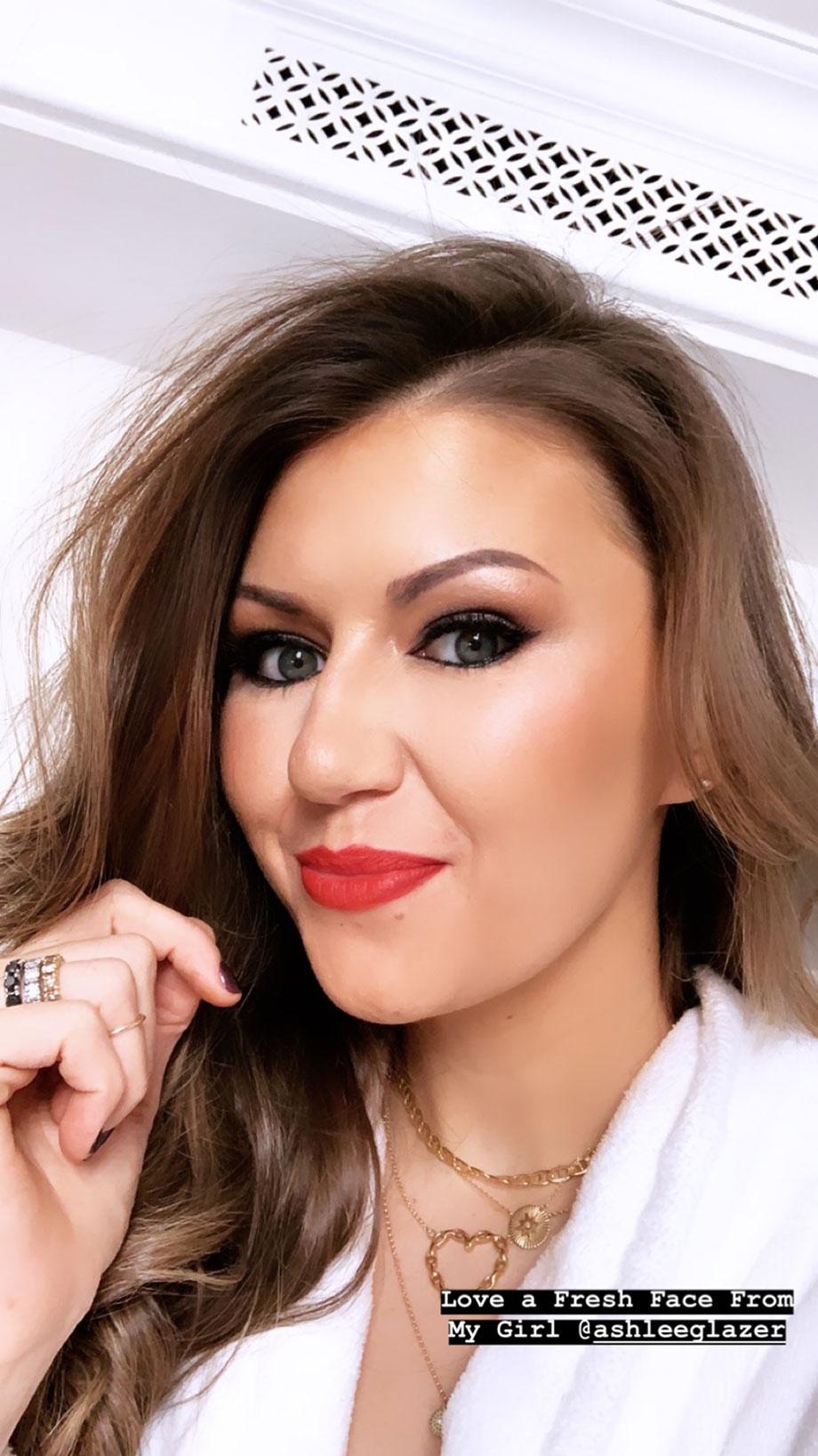 Corri McFadden has her makeup done by Ashley Glazer.