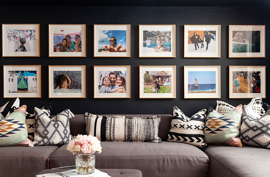 How to create a fresh and clean gallery wall with Glitter and Bubbles.