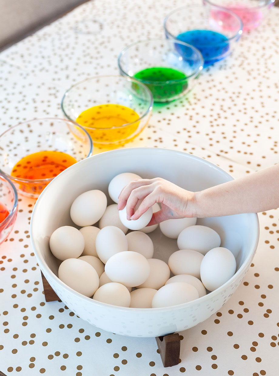An easy Easter egg DIY from Glitter and Bubbles.
