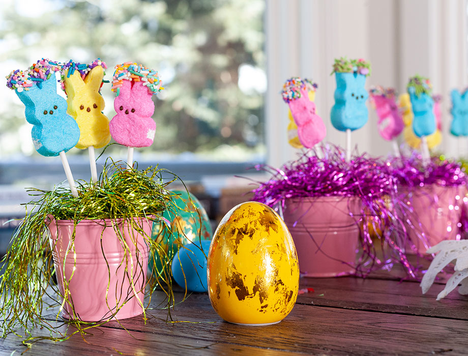 How to make the perfect Easter Centerpiece using Peeps.