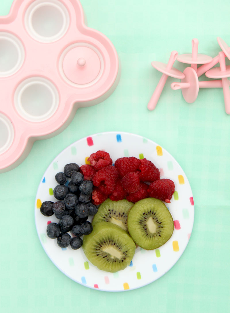 How to make the most delicious kids snack with fresh fruit on Glitter and Bubbles.
