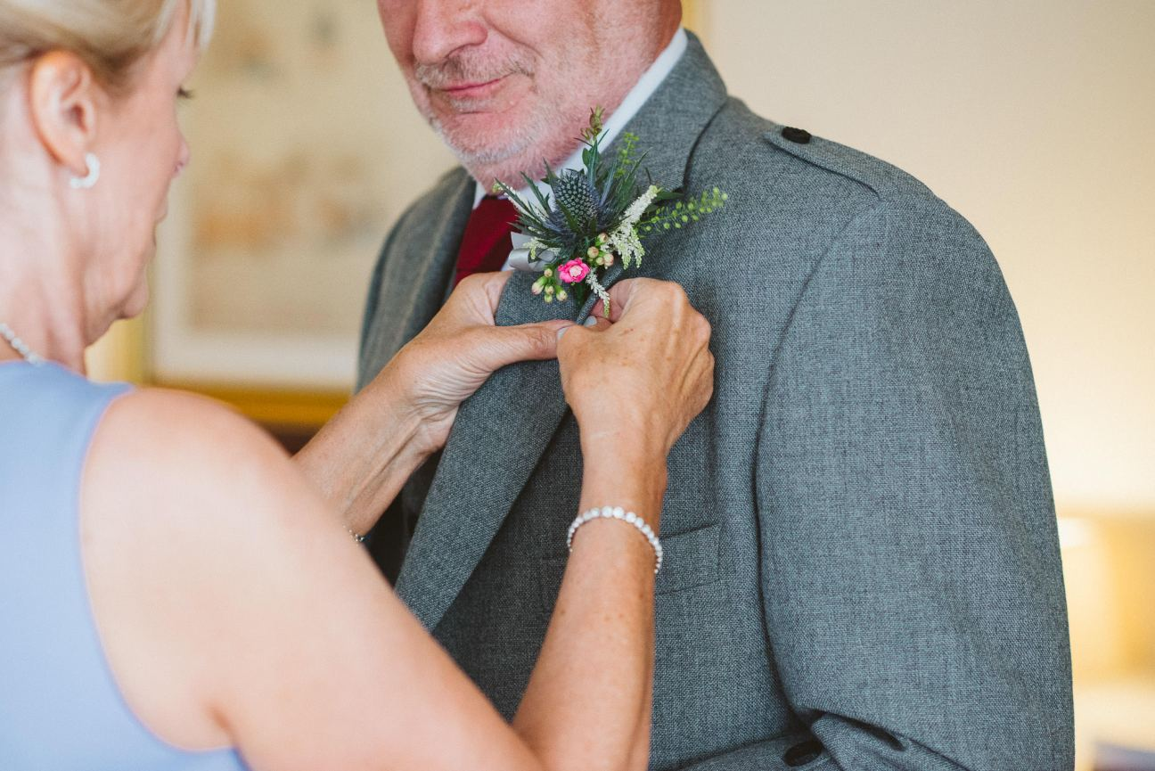 edinburgh-wedding-photography-dalmahoy-colourful-116