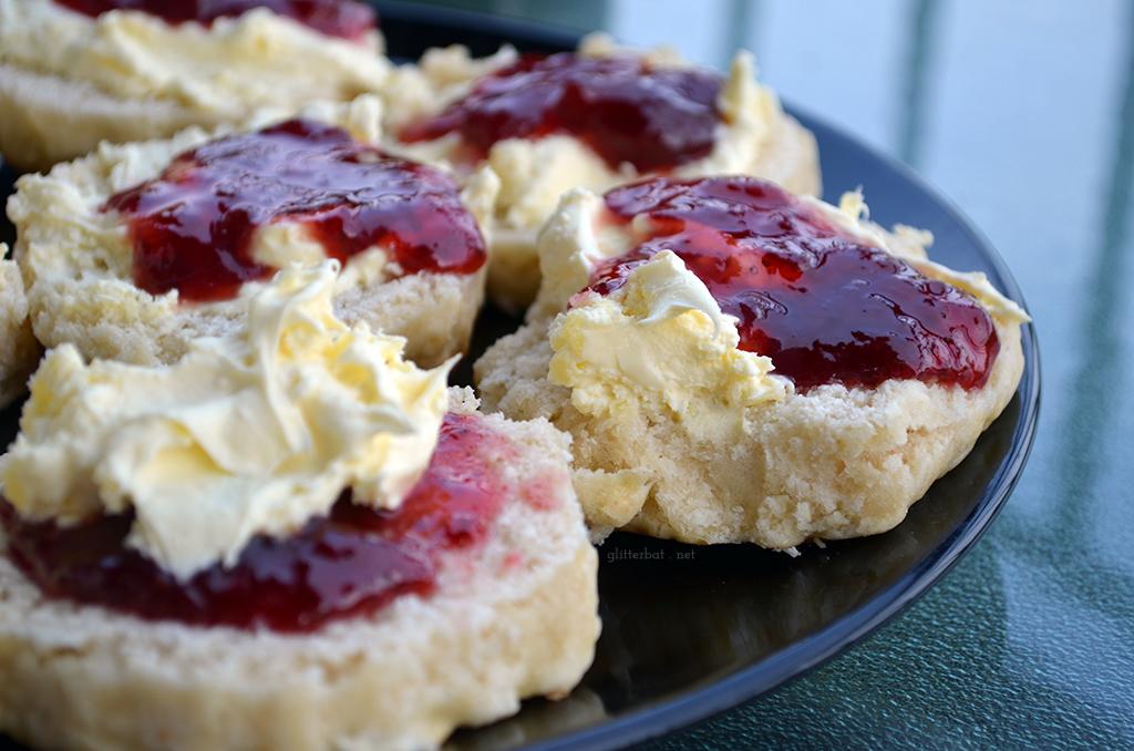Cornish vs Devon Cream Tea