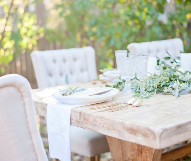 Lush Outdoor Thanksgiving Friendsgiving Dinner Party